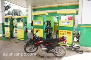 161107ミャンマー ピンウーリン ガソリンスタンド9