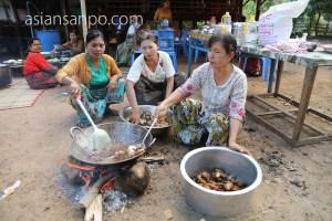 ミャンマー マウンマガンビーチ 食事