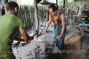ミャンマー モーラミャイン ビル島 鍛冶屋
