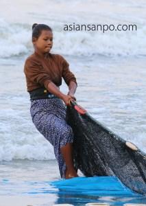 ミャンマー マウンマガンビーチ 地引網