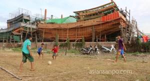 ミャンマー ベイ 船