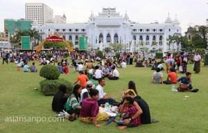 ミャンマー ヤンゴンマハバンドゥーラ公園 独立記念日