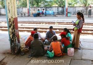ミャンマー バゴーーヤンゴン 列車