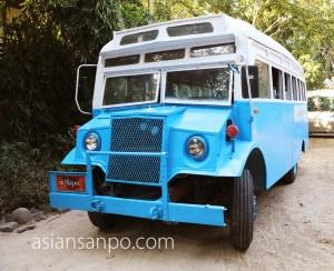 ミャンマー ンガパリ バス
