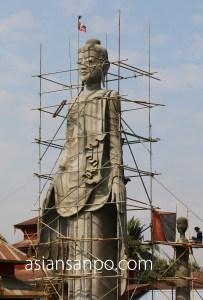 ミャンマー ヤンゴンーネピドー 仏像
