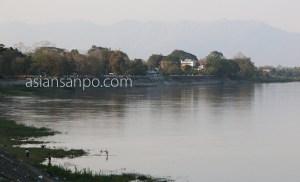 ミャンマー カチン州 ミッチーナ エーヤワディー川