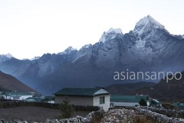 ネパール エベレスト街道 クンデ タムセルク