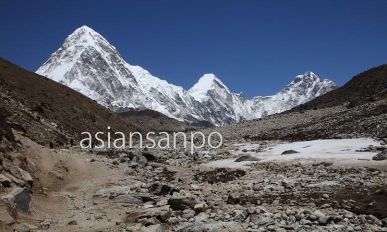 ネパール エベレスト街道 クーンブ氷河 プモリ