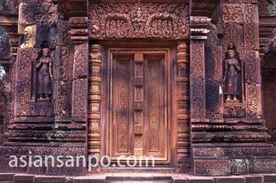 カンボジア バンテアイスレイ