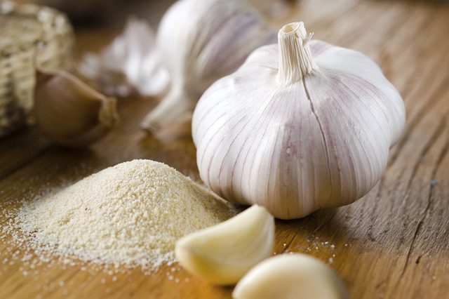 featured image for garlic toothache