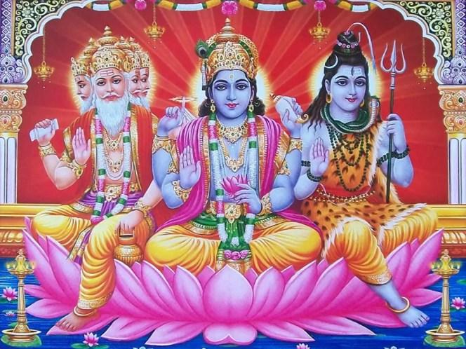 Le Trimūrti Hindoue, de gauche à droite Brahma, Vishnou et Shiva Trinité Hindouisme