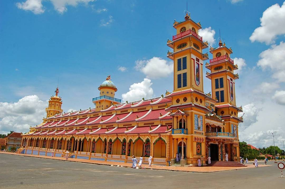 What to expect to visit Cao Dai Temple - Asianwaytravel.com