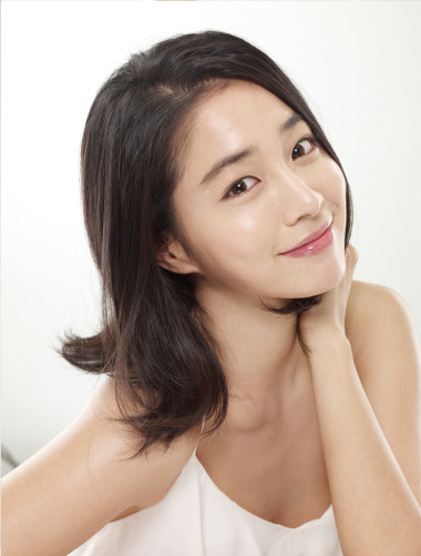 Lee Min Jung Photos and Premium High Res Pictures - Getty