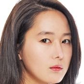 The Girl Who Sees Smells-Yoon Jin-Seo.jpg