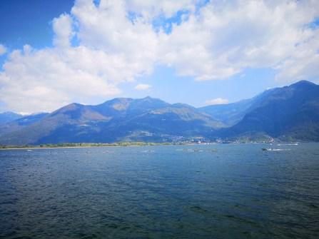 Jezioro Iseo otoczone góracmi