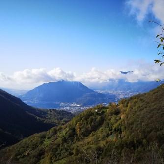 Monte Barro, Como - widok zdrogi naResegone