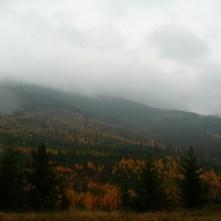 listopadowy, pochmurny dzień wBeskidzie Żywieckim, Romanka