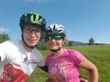 Dziewczyna, chłopak, rowery, nauka jazdy