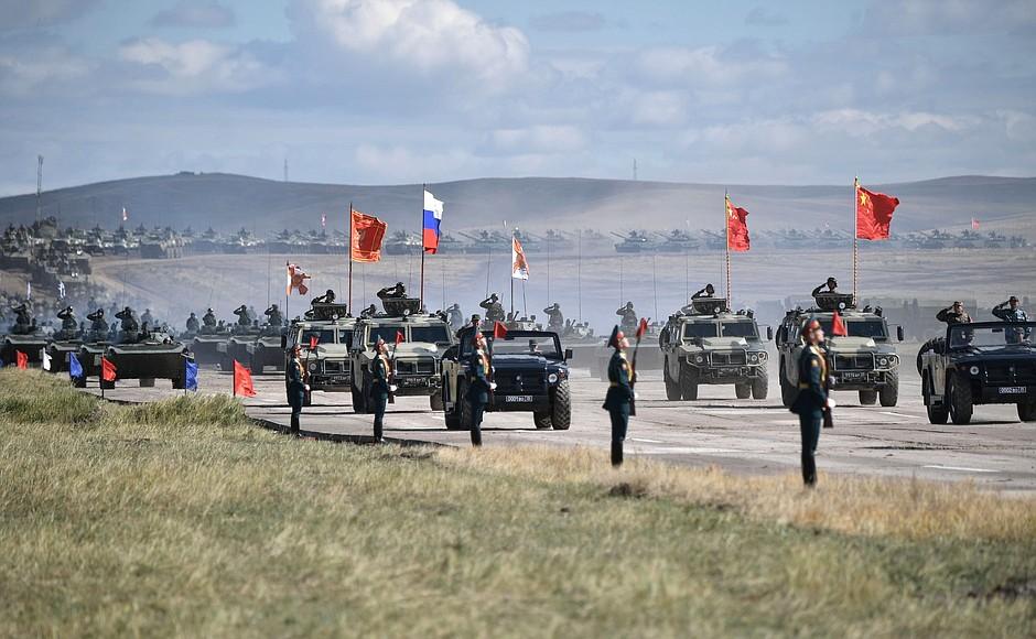 Militæroppvisning 2, Vostok 18
