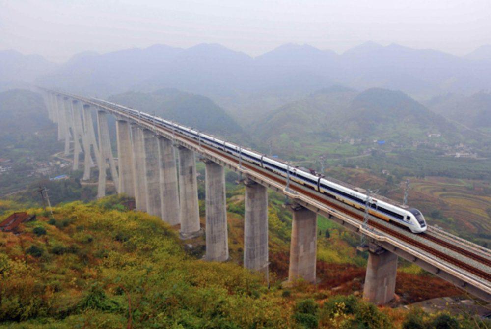 China-Bullet-Train-Highspeed-Railway-2013-Xinhua-e1550741792760