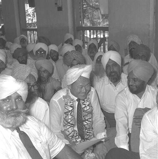 Lee Kuan Yew with the Singapore Sikhs in his younger years