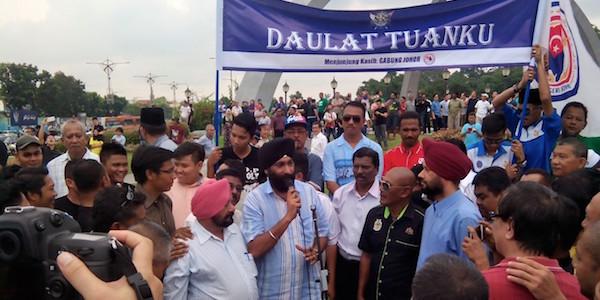 Manjeet Singh addressing the crowd yesterday. - PHOTO COURTESY OF MANJEET/ASIA SAMACHAR