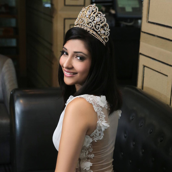 Harnesh' last photo shoot as the reigning Miss Malaysia Indian Global 2012 - Facebook/Harnesh Kaur