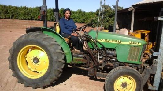 Single mum Daljit Sanghera at her farm in Loxton, South Australia - PHOTO / SBS Punjabi