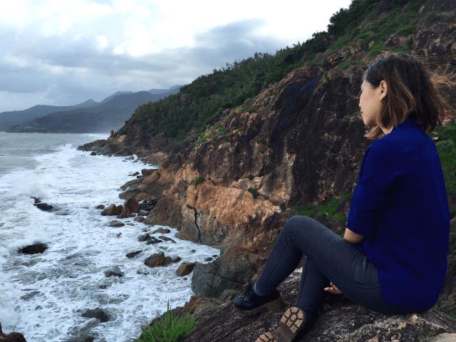 Trải nghiệm du lịch Việt Nam ở Quy Nhơn ngắm bãi tắm Tiên Sa