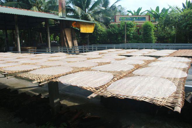 Mekong Delta experience - making hu tieu