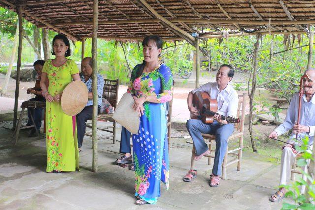 Mekong delta experience - folk music 2