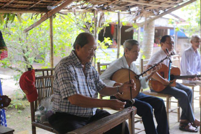 Mekong delta experience - folk music