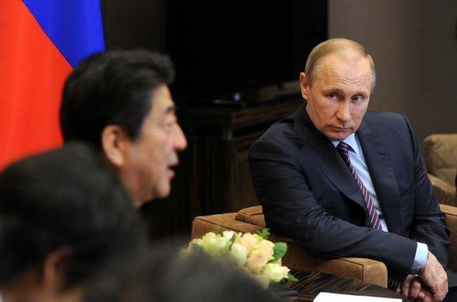 North Korea will surely be on the agenda when Russian President Vladimir Putin (R) meets with Japanese Prime Minister Shinzo Abe on Thursday. Photo: Reuters