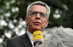 German Interior Minister de Maiziere visits the federal police inspection in Bremen