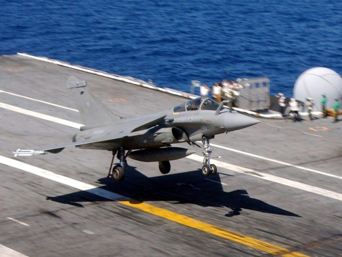 A Dassault Rafale multi-role fighter takes off. Photo: public domain