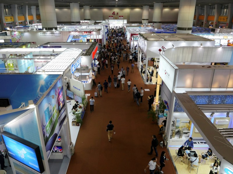 The China Import and Export Fair, known as the Canton Fair, in Guangzhou is still one of the world's biggest trade fairs, but the crowds have been thinning out in recent years, Photo: Reuters/Venus Wu