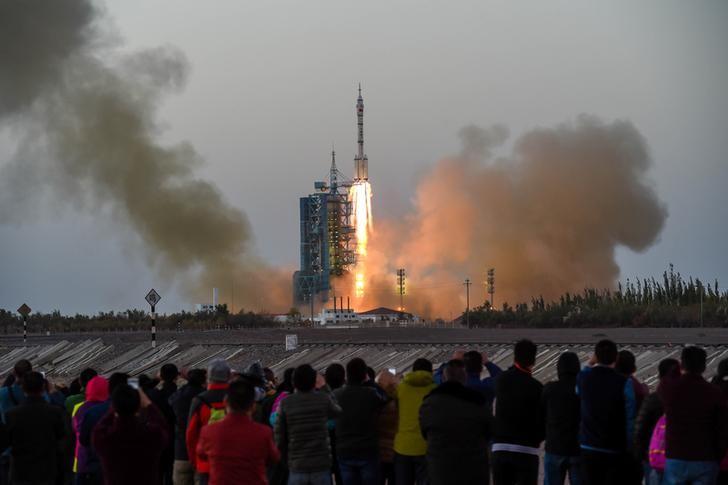 Shenzhou-11 China spacecraft Reuters
