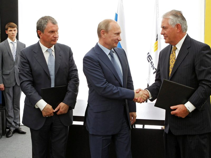 Ties that bind: Russia's President Vladimir Putin, Rosneft Chief Executive Igor Sechin and Exxon Mobil Chief Executive Rex Tillerson take part in a signing ceremony at a Rosneft refinery in the Black Sea town of Tuapse, Russia June 15, 2012. Sputnik/Kremlin/Mikhail Klimentyev via Reuters