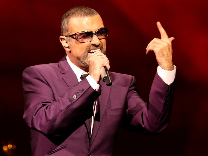 British singer George Michael performs on stage during his Symphonica tour concert in Vienna September 4, 2012. Photo: Reuters/Heinz-Peter Bader