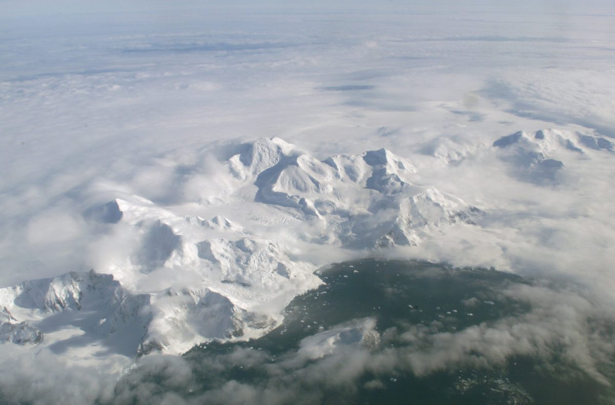 Larsen Ice Shelf in Anarctica. Photo: Wikimedia Commons