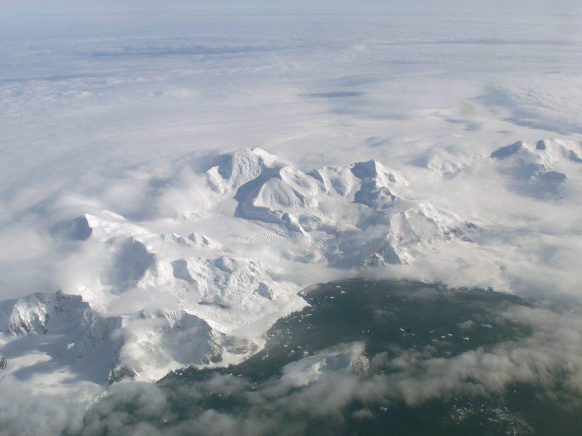 Larsen Ice Shelf in Anarctica. Photo: Wikimedia Commons
