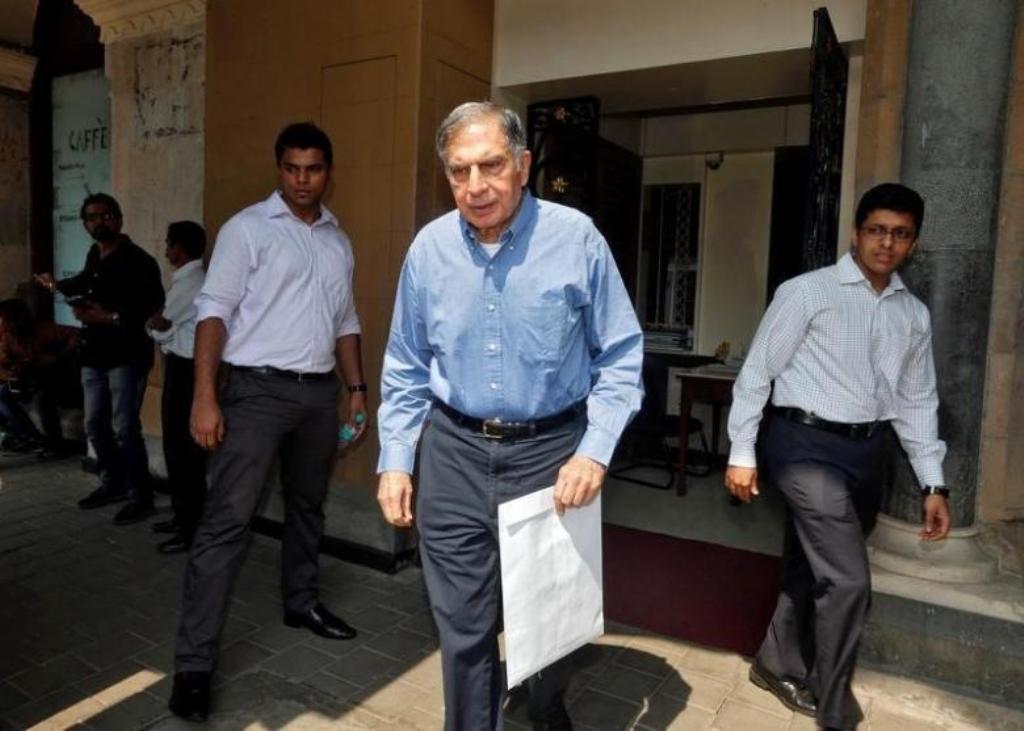 Ratan Tata, chairman emeritus of Tata group, leaves his office building in Mumbai, India October 27, 2016. REUTERS