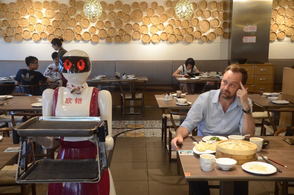 Steamed King Robot Restaurant, Guangzhou, China. Photo: Justus Krueger