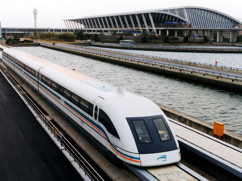 A maglev train leaves Shanghai's Pudong International Airport. The 30.5km line, opened in 2002, is the world's first commercial high-speed maglev. Photo: Alex Needham / Wikipedia Commons