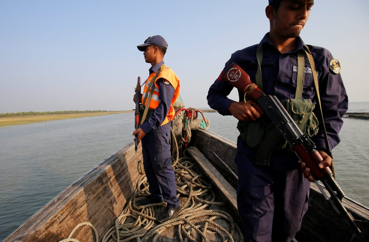 Bangladesh coast guards patrol in a vessel in the Bay of Bengal,  Bangladesh, February 2, 2017. REUTERS/Mohammad Ponir Hossain