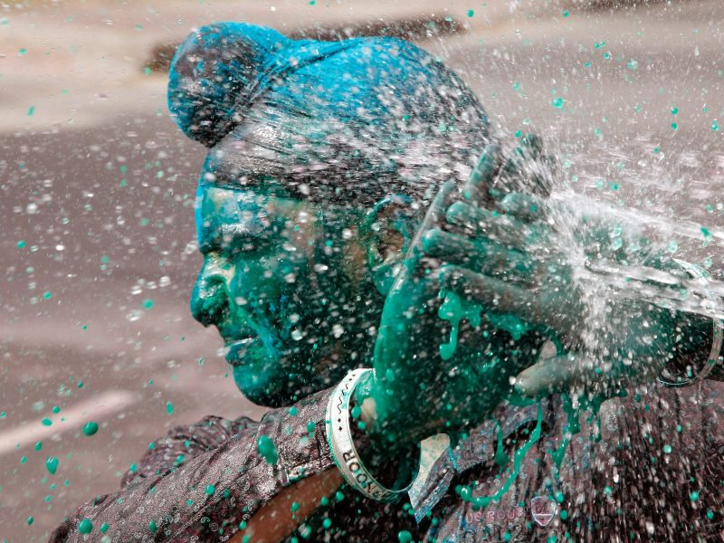 Holi moly! It's that time of year again: India's festival of colors is a photographer's dream. Here's our pick of the best from Reuters (and one of our own).
