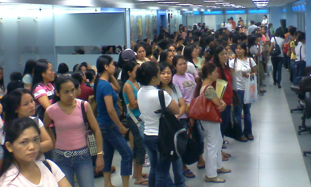 Foreign domestic helpers wait to get their visas in Hong Kong. Photo: Wikimedia Commons