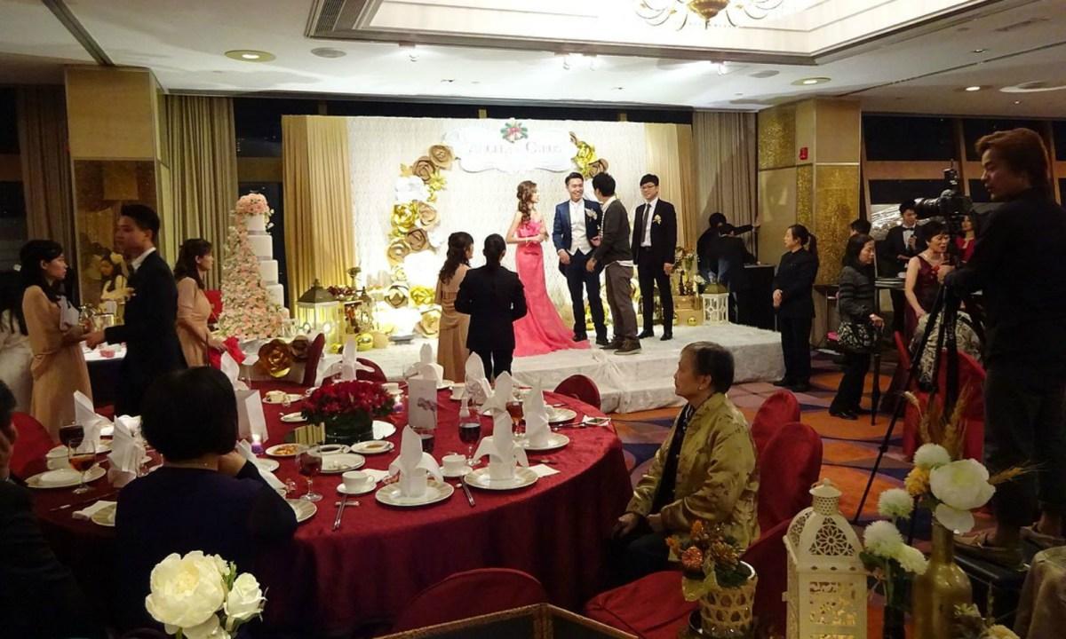 Hong Kong wedding banquet Photo: Wikimedia Commons