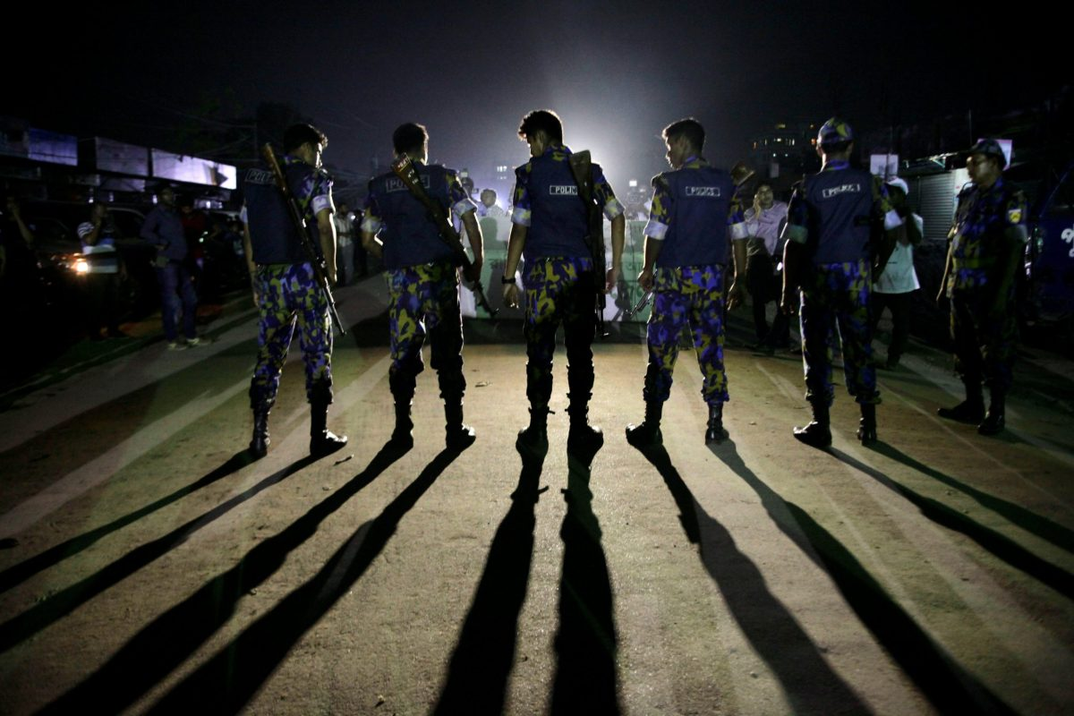 Security personnel block a road outside the Kashimpur jail during the execution of three Islamists in Dhaka. Photo: Reuters/Stringer