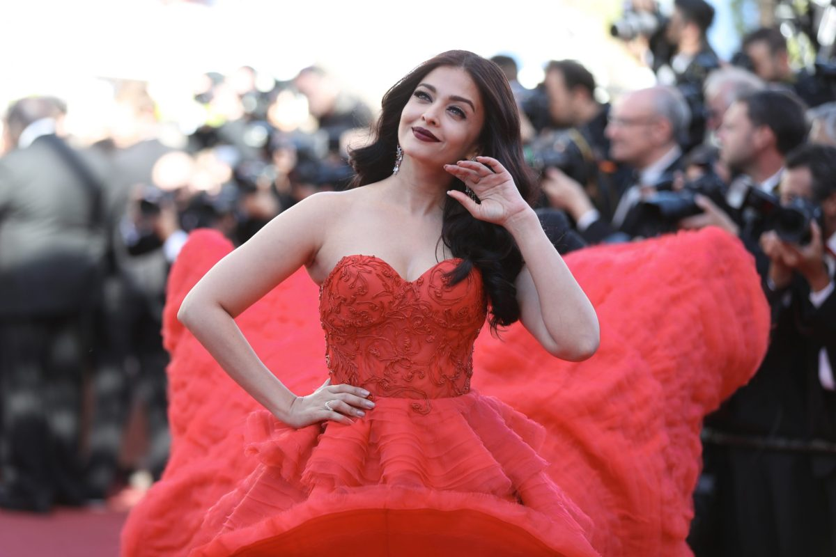 Indian actress Aishwarya Rai Bachchan poses as she arrives on May 20, 2017 for the screening of the film '120 Beats Per Minute (120 Battements Par Minute)' at the 70th edition of the Cannes Film Festival in Cannes, southern France. Photo: AFP/ Valery Hache